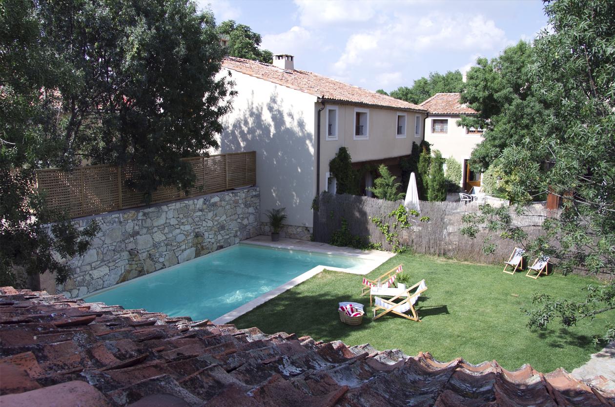 Casa rural con piscina pedraza el port n segoviano - Piscina climatizada segovia ...